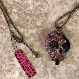 [NWT] Betsey Johnson Skull Necklace